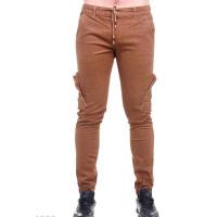 Коричневые мужские брюки с боковыми и задними накладными карманами