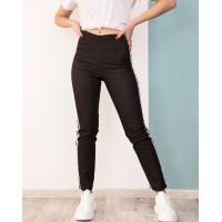 Черные джинсовые брюки с лампасами