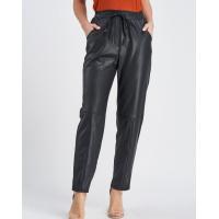 Черные брюки с эффектом кракелюра