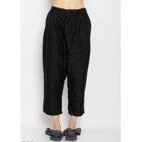 Черные укороченные однотонные брюки с защипами