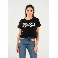 Черная футболка с бусинами на принте и шнуровками по бокам