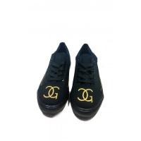 Черные повседневные кеды с черной подошвой и золотой вышивкой