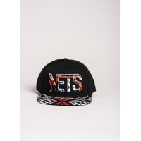 Черная кепка NETS с орнаментом