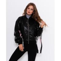 Черная укороченная куртка из эко-кожи с тесемками