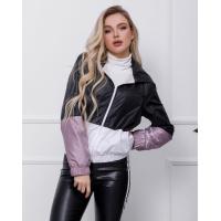 Черно-розовая куртка-ветровка с вставками