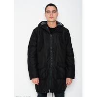 Черная удлиненная демисезонная куртка с капюшоном на шерсти