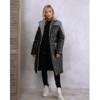 Черное удлиненное принтованное пальто на синтепоне