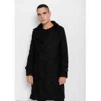 Черное удлиненное пальто прямого кроя с клином сзади