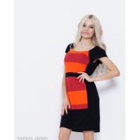 Черное платье-футляр с цветными вставками