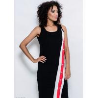 Черное обтягивающее платье по фигуре из эластично трикотажа с диагональным трехцветным декором с кнопками по всей длине