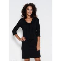 Черное приталенное платье с оригинальным воротником-шалью