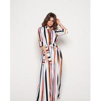 Длинное приталенное полосатое платье с боковым вырезом