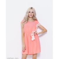 Персиковое шифоновое платье с боковым воланом