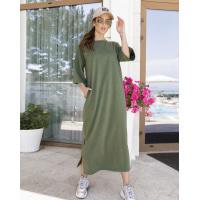 Трикотажное прямое платье цвета хаки с разрезами