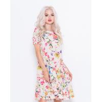 Цветочное свободное платье с рюшами