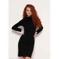 Черное трикотажное платье до колен