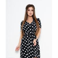 Черно-белое платье в горошек с короткими рукавами