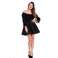Черное пышное платье с открытыми плечами и верхом из блестящей сетки
