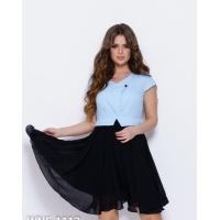Черно-голубое присборенное платье с баской