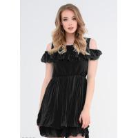Черное приталенное многослойное платье с вырезами на плечах