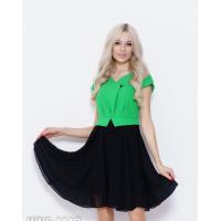 Черно-зеленое присборенное платье с баской
