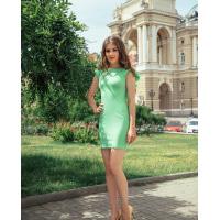 Облегающее зеленое платье с рукавами воланами