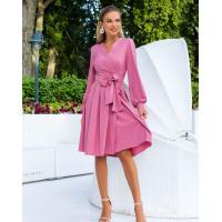 Розовое классическое платье на запах