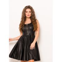 Черное глянцевое приталенное платье без рукавов с молнией на лифе