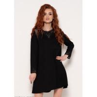 Черное платье с кружевом и карманами