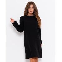 Черное прямое платье с длинными рукавами