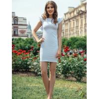 Облегающее белое платье с рукавами воланами