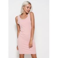 Розовое трикотажное обтягивающее платье без рукавов с жемчужинами на проймах