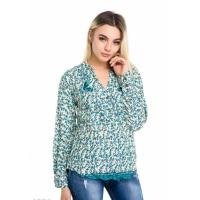 Зеленая свободная рубаха с цветочным принтом и вышивкой бабочек на груди