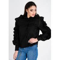 Черная женская рубашка с объемными необычными воланами по линии рукавов