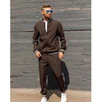 Коричневый клетчатый костюм с курткой-бомбером