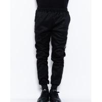 Черные трикотажные спортивные штаны с принтом
