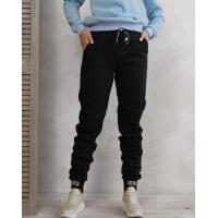 Черные теплые штаны с нашивками на манжетах