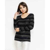 Черный полосатый свитер удлиненного кроя