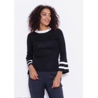Черный свитер с полосками и клешем на рукавах