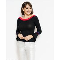 Черный эластичный свитер с воланами на рукавах