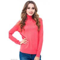 Розовый меланжевый свитер с высоким горлом и выкладкой жемчужинами на груди