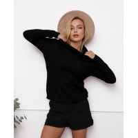 Черный фактурный вязаный свитер с высоким горлом