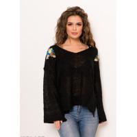 Черный ангоровый свитер с люрексом и цветочной вышивкой на плечах