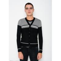 Черно-белый свитер с полосатым декором и пуговицами