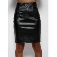 Черная юбка классического кроя из эко-кожи